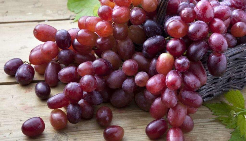 struguri rosii fructe bune pentru rinichi